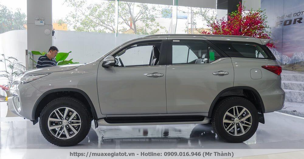 toyota-fortuner-2017-hong-xe