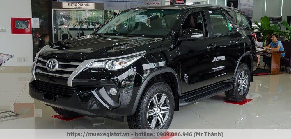 gia xe toyota fortuner 2017 vo cung canh tranh