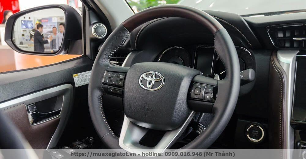 toyota fortuner 2017 vo lang tay lai