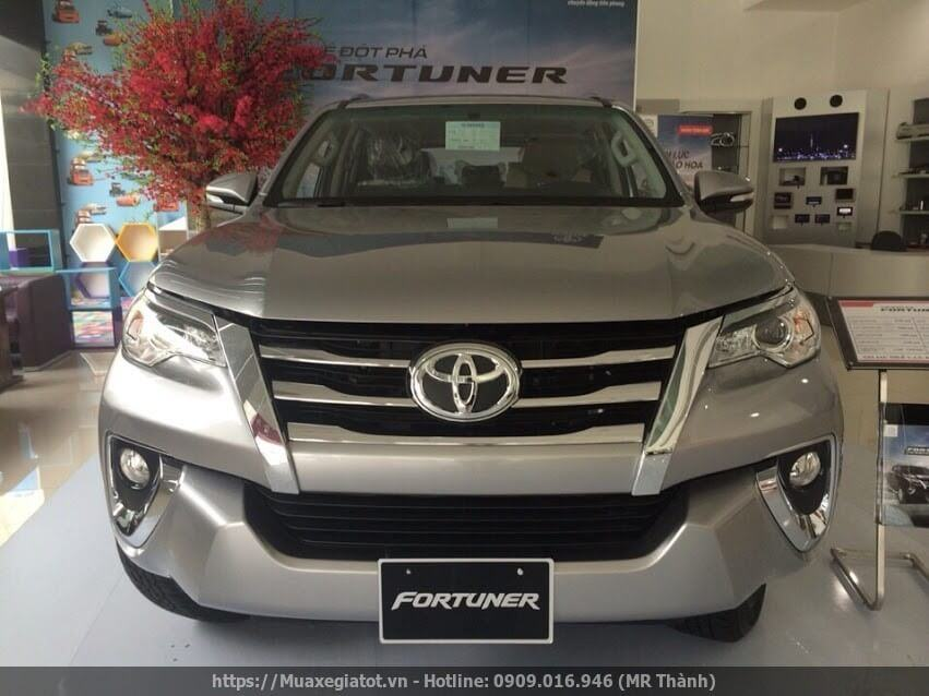 toyota fortuner 2017 may xang dau xe