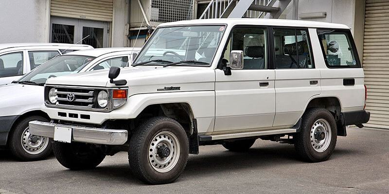 Toyota Land Cruiser 70 Semi-long 4.2 LX ( HZJ76V )