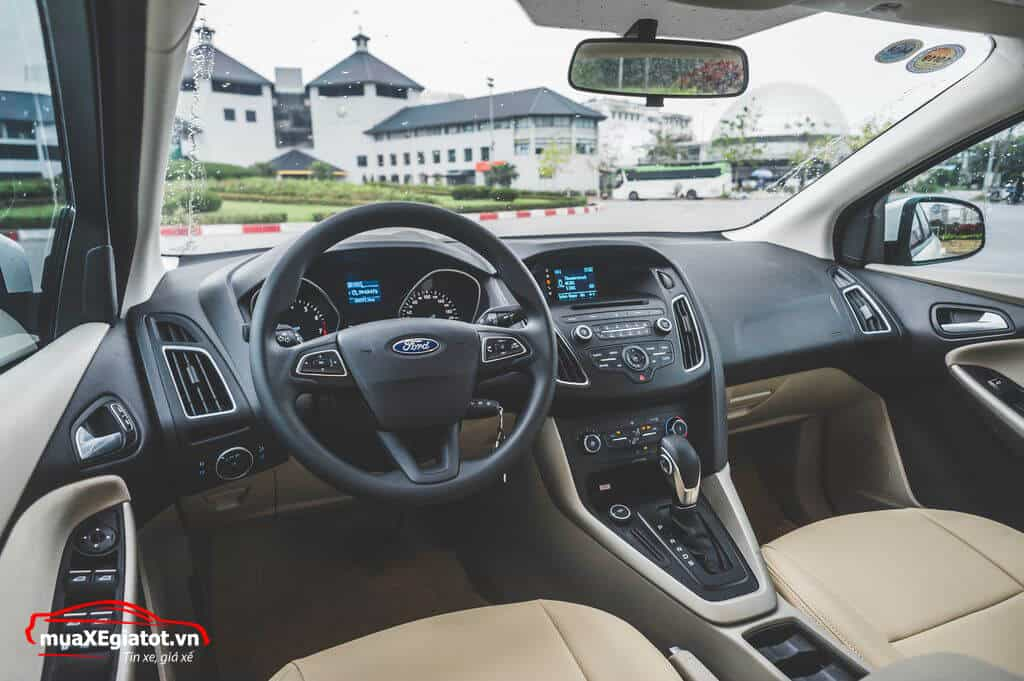 Nội thất xe Ford Focus 2017