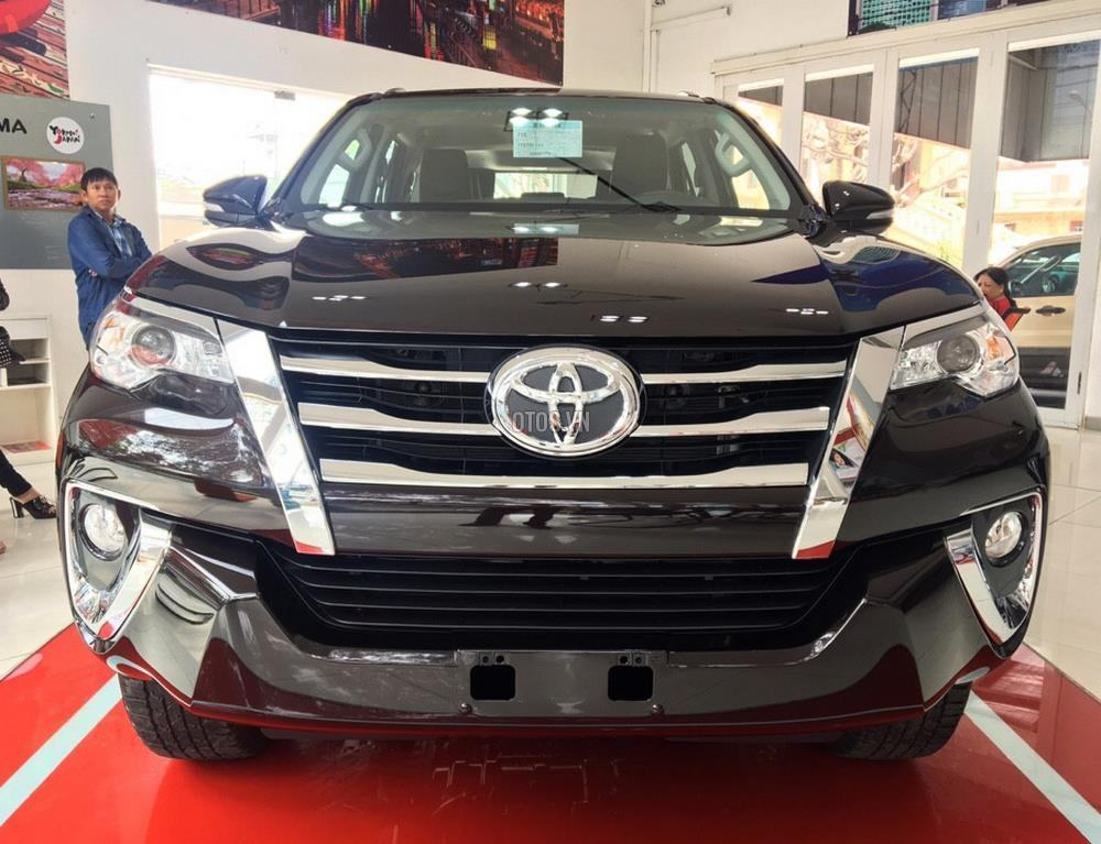 Muaxegiatot vn 2018 Toyota Fortuner 2 7V 4x2 20180317071522781 - So sánh xe Peugeot 5008 và Toyota Fortuner - Muaxegiatot.vn