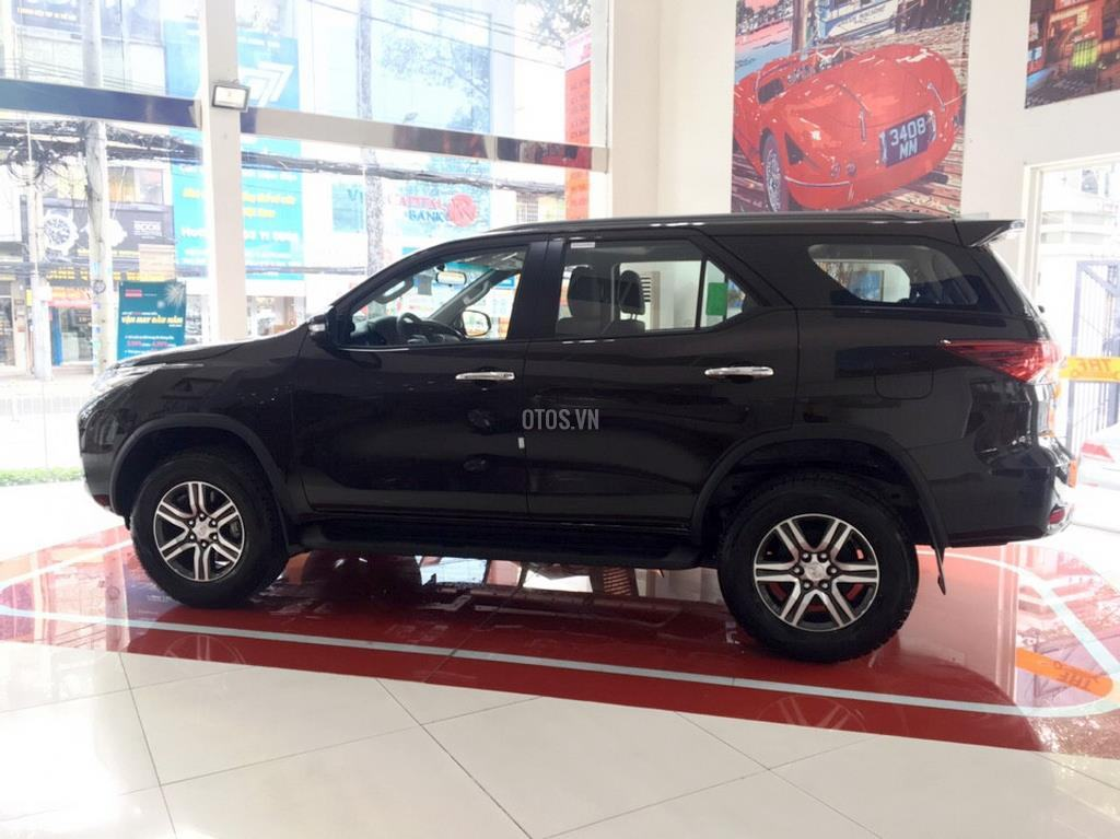 Muaxegiatot vn 2018 Toyota Fortuner 2 7V 4x2 20180317071526781 - So sánh xe Peugeot 5008 và Toyota Fortuner - Muaxegiatot.vn
