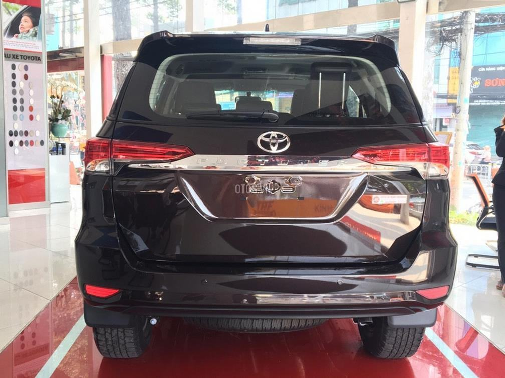 Muaxegiatot vn 2018 Toyota Fortuner 2 7V 4x2 20180317071528672 - So sánh xe Peugeot 5008 và Toyota Fortuner - Muaxegiatot.vn