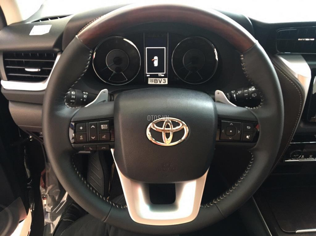 Muaxegiatot vn 2018 Toyota Fortuner 2 7V 4x2 20180317071529765 - So sánh xe Peugeot 5008 và Toyota Fortuner - Muaxegiatot.vn