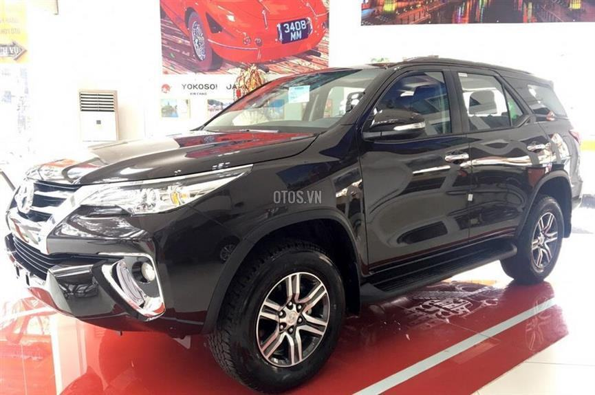 Muaxegiatot vn 2018 Toyota Fortuner 2 7V 4x2 20180317071542000 - So sánh xe Peugeot 5008 và Toyota Fortuner - Muaxegiatot.vn