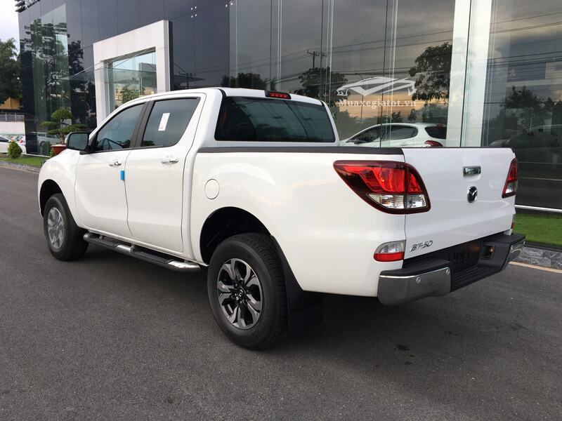 Mazda-BT50-2-2L-4-2-AT-Facelift-2017-2018-2019-4