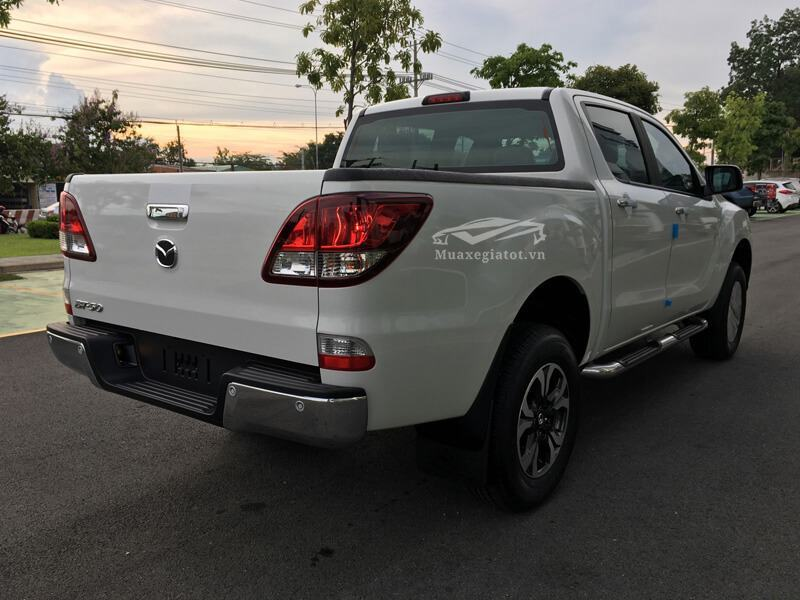 Mazda-BT50-2-2L-4-2-AT-Facelift-2017-2018-2019-5
