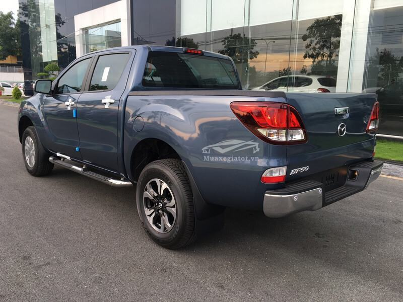 Mazda-BT50-2-2L-4-4 MT-Facelift-2017-2018-2019-2
