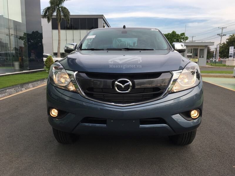 Mazda-BT50-2-2L-4-4 MT-Facelift-2017-2018-2019-3