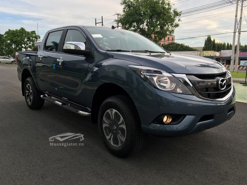 Mazda-BT50-2-2L-4-4 MT-Facelift-2017-2018-2019-5