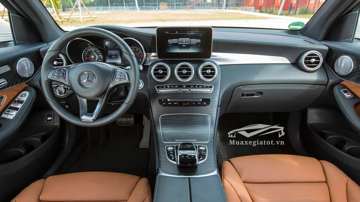 noi that xe mercedes glc 300 amg 4 matic