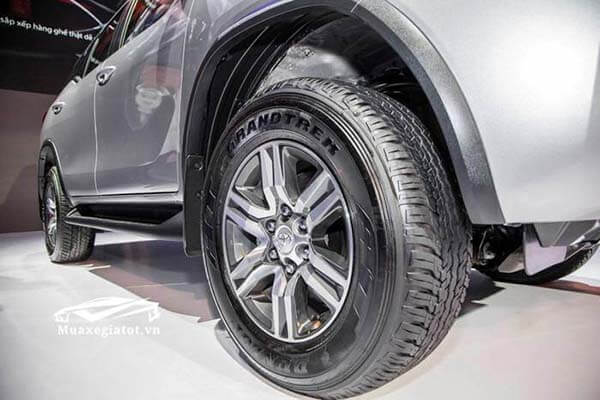 toyota-fortuner-2018-may-dau-so-san-muaxegiatot-vn-3