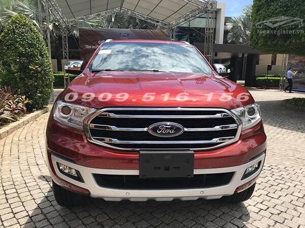 ford-everest-2018-2019-muaxegiatot-vn-1