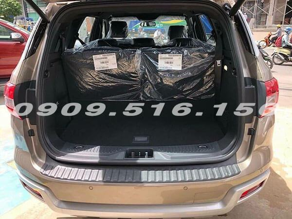 cop-xe-ford-everest-2019-2-0-bi-turbo-sai-gon-ford-muaxegiatot-vn-8