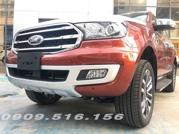 Ford Everest 2.0 Bi-Turbo đầu xe