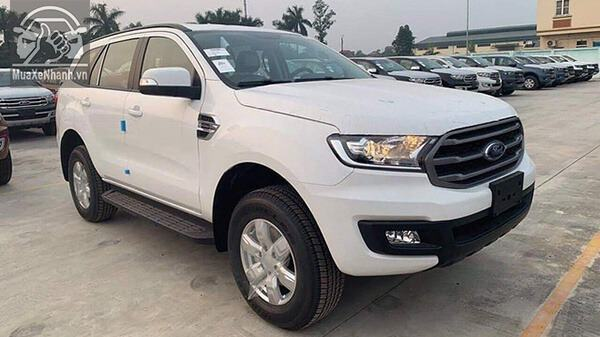 gia-xe-ford-everest-ambiente-so-san-muaxenhanh-vn-5