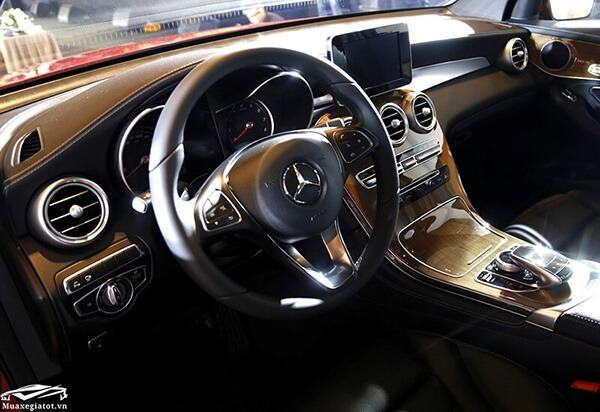 vo-lang-mercedes-glc-300-coupe-2019-muaxegiatot-vn-21