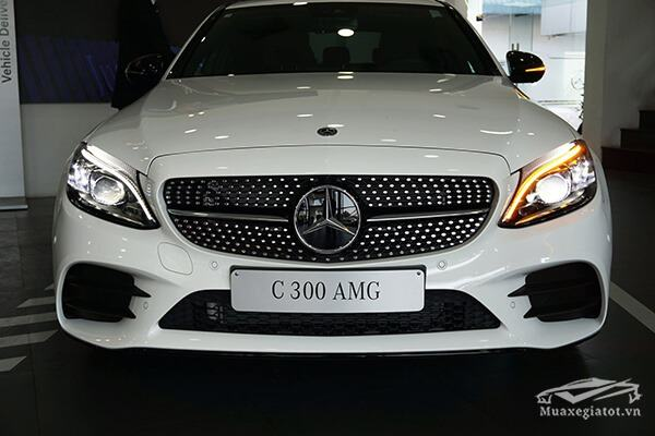luoi-tan-nhiet-xe-mercedes-c300-amg-2019-muaxegiatot-vn-11