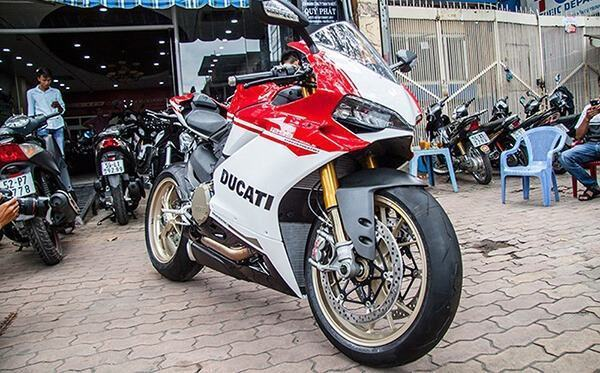 gia-xe-ducati-superbike-1299-panigale-s-muaxegiatot-vn