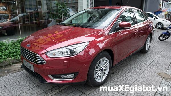 Ford Focus sedan Titanium