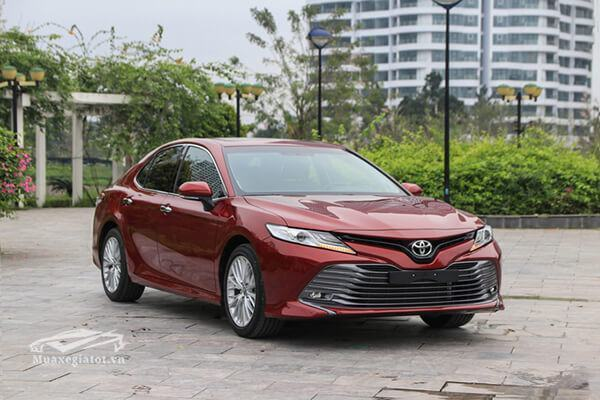 Toyota Camry 2019 ra mắt
