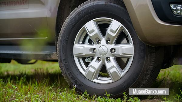 mam-xe-ford-everest-ambiente-at-2019-muaxegiatot-vn-15