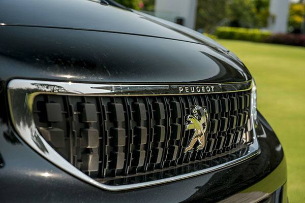 galang-peugeot-traveller-luxury-2019-2020-7-cho-muaxegiatot-vn-2