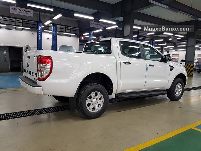 thung-xe-ford-ranger-xls-2.2l-at-2019-2020-muaxegiatot-vn