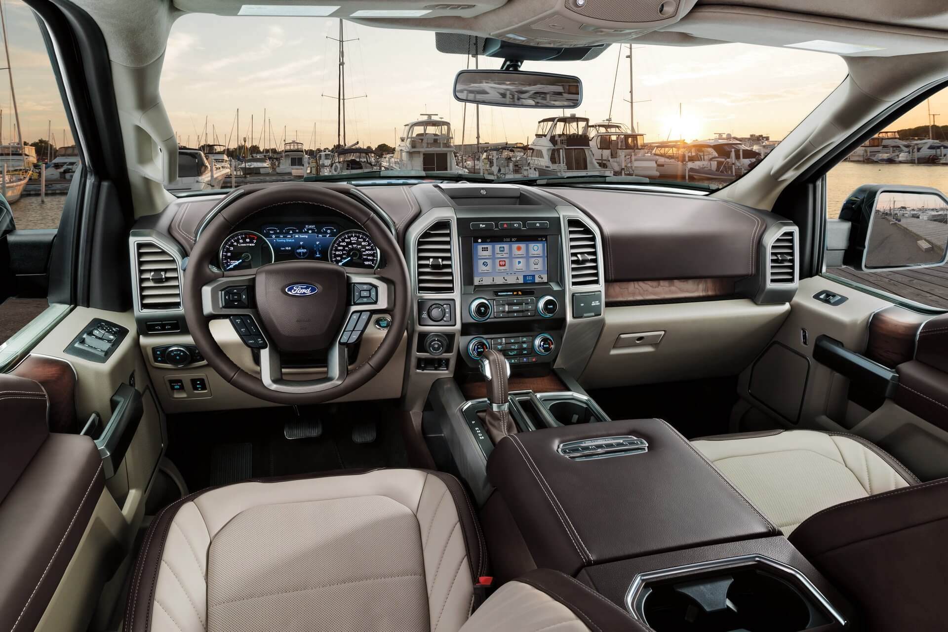 tien-nghi-ban-tai-ford-f-150-limited-2019-2020-muaxegiatot-com