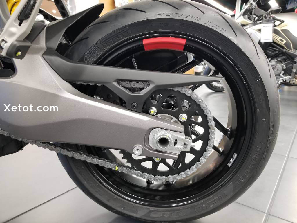 Ducati-Monster-821-Stealth-2019-2020-Xetot-com-12
