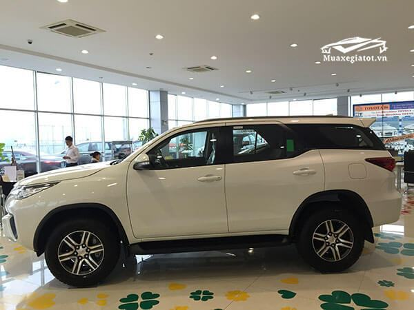 hong-xe-fortuner-28-v-4-4-may-dau-so-tu-dong-2-cau-Xetot-com