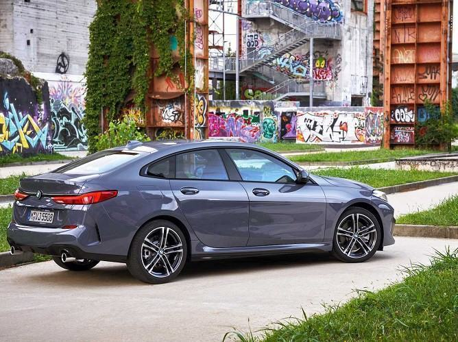 hinh-anh-xe-bmw-2-series-gran-coupe-2020-muaxegiatot-vn-2