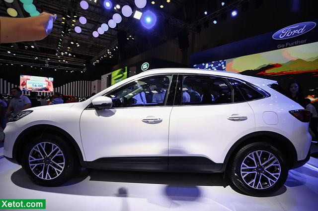 than-xe-ford-escape-2020-ra-mat-vms-2019-muaxegiatot-vn