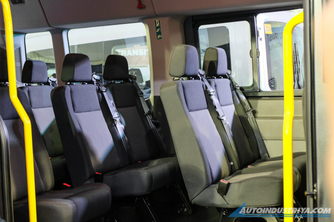 hang-ghe-thu-2-Ford-Transit-2020-ra-mat-philiphine-muaxegiatot-vn