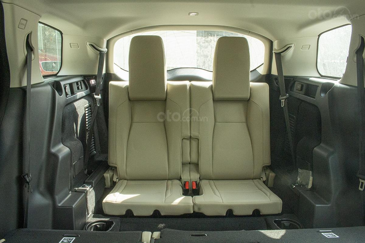 hang-ghe-thu-3-land-rover-discovery-sport-s-2020-muaxegiatot-vn