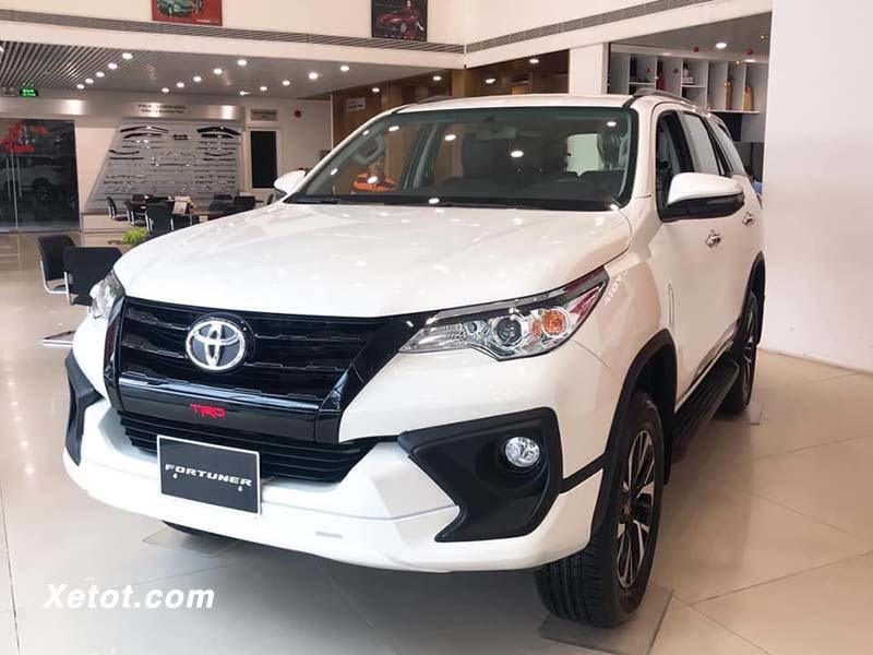 xe-2020-toyota-fortuner-10-xe-ban-chay-2019-muaxegiatot-vn