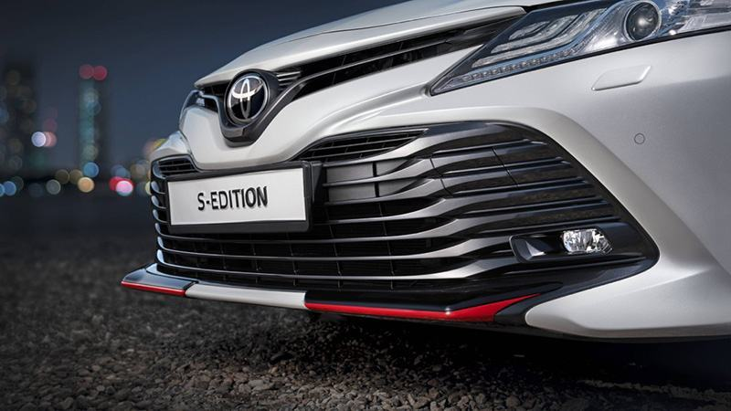 Dau_Xe_Toyota_Camry_S_Edition_2020_Muaxegiatot_vn