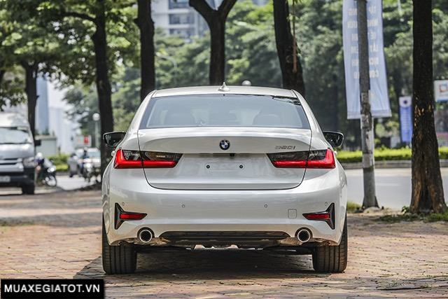 duoi-xe-bmw-320i-sport-line-2020-2021-muaxegiatot-vn
