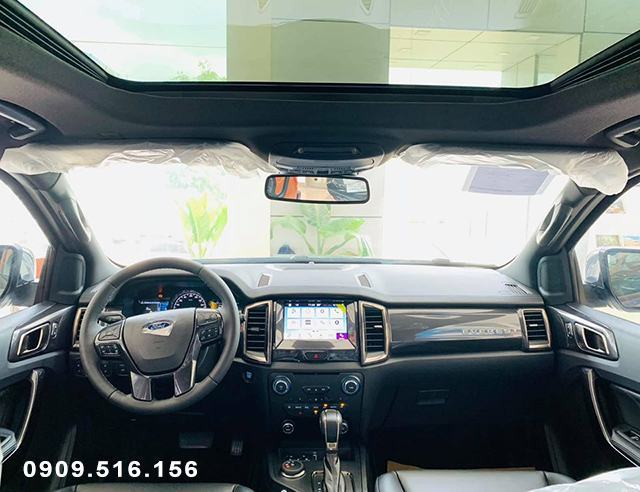 noi-that-xe-ford-everest-titainium-4wd-2020-muaxegiatot-vn