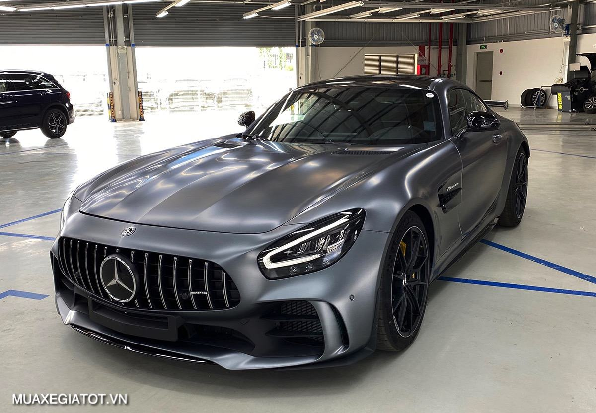 danh-gia-xe-mercedes-amg-gt-r-2020-2021-muaxegiatot-vn