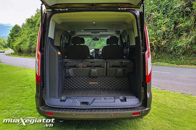2-cop-xe-ford-tourneo-2020-2021-muaxegiatot-vn