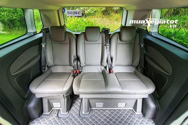 hang-ghe-cuoi-ford-tourneo-2020-2021-muaxegiatot-vn