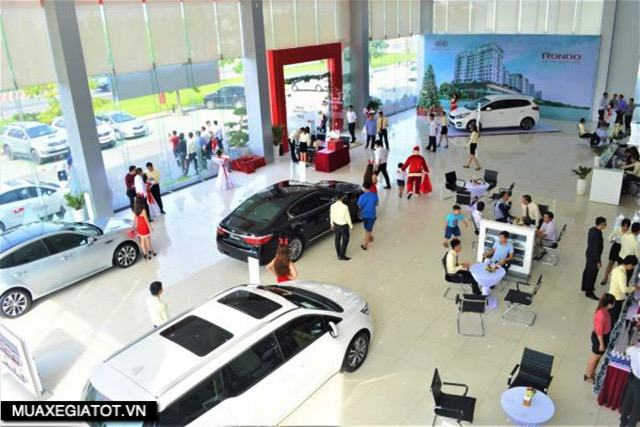showroom-kia-long-an-muaxegiatot-vn
