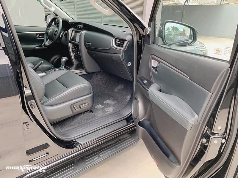 ghe-phu-chinh-dien-toyota-fortuner-may-dau-at-24l-2021-muaxegiatot-vn