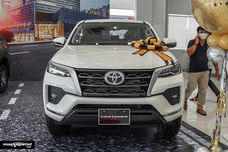 gia-xe-toyota-fortuner-may-dau-so-san-2021-muaxegiatot-vn