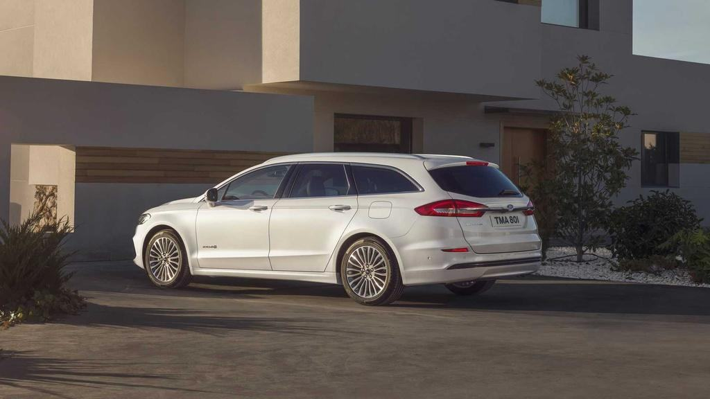 duoi-xe-ford-mondeo-2021-muaxegiatot-vn-8