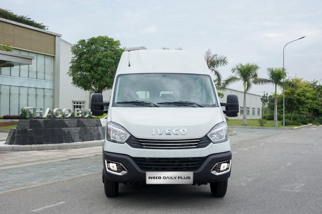 galang-minibus-iveco-daily-2020-2021-muaxegiatot-vn