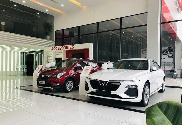xe-vinfast-fadil-va-lux-a20-chevrolet-vinfast-thang-long-muaxegiatot-vn